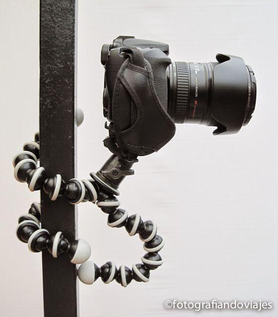 Trípode Gorillapod con cámara de fotos réflex