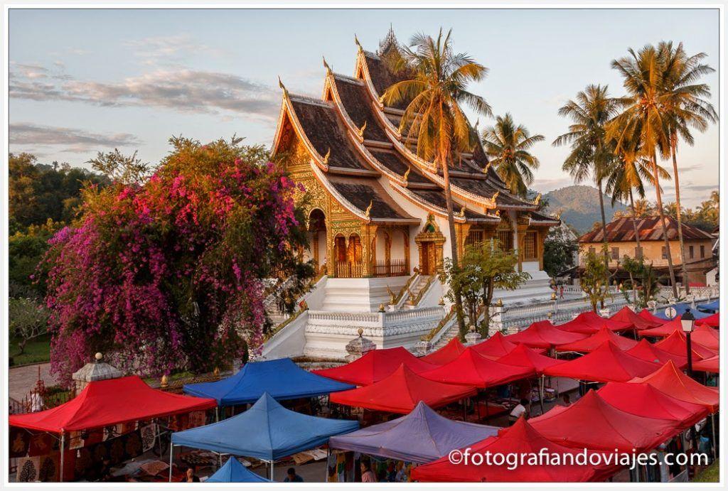 Wat Ho Pha Bang y el mercado nocturno