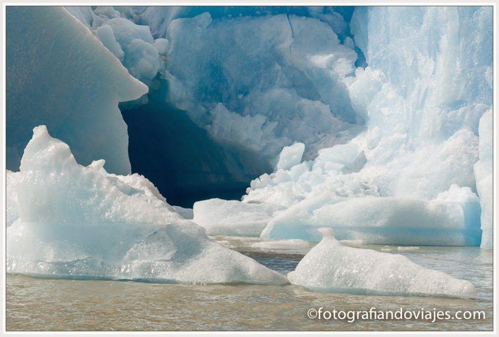 Detalle del frente del glaciar Grey en torres paine