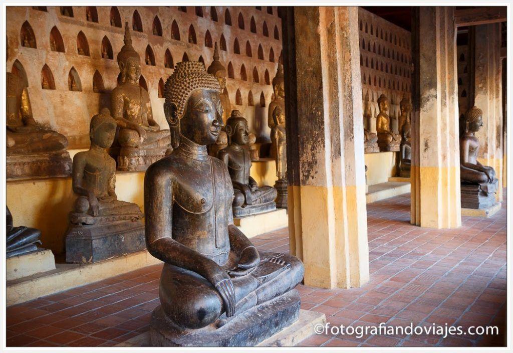 Corredor exterior Wat Si Saket que ver en Vientiane