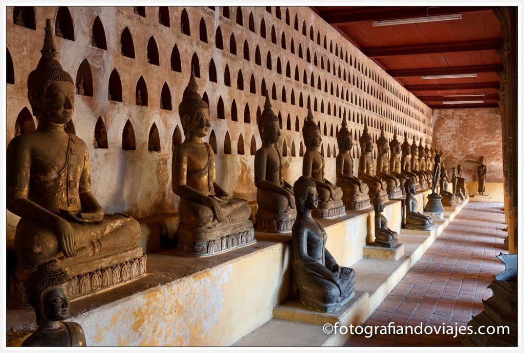 Corredor exterior de Wat Si Saket