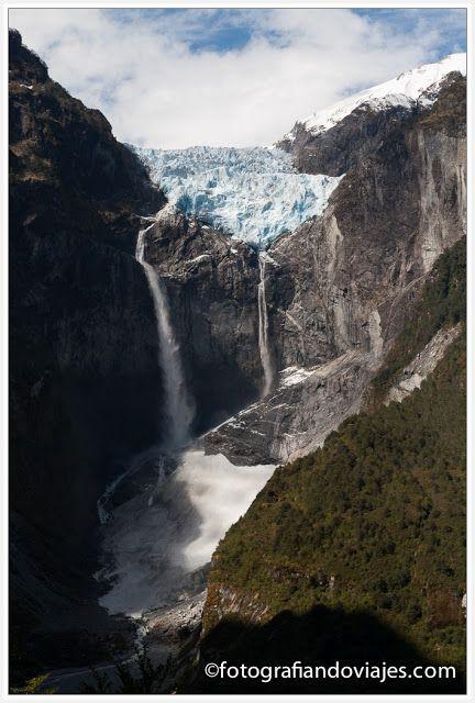 Ventisquero colgante en Parque Nacional Quelat, Chile