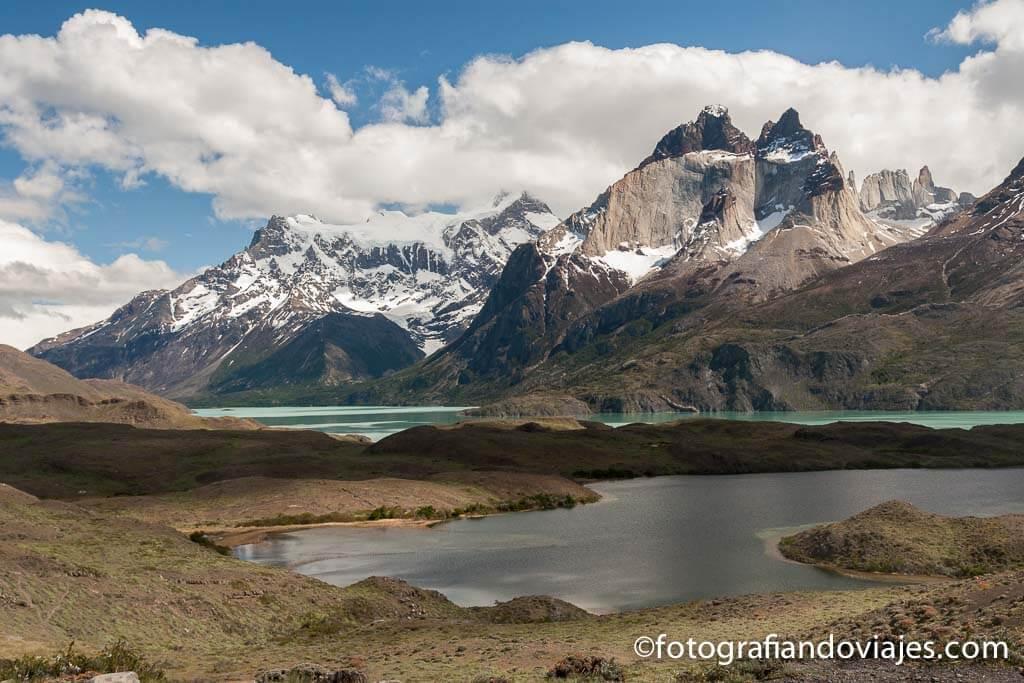 Cuernos del Paine reflejados en el lago Nordenskjöld