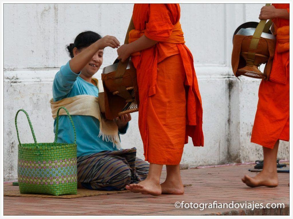 Ceremonia de los monjes en Luang Prabang