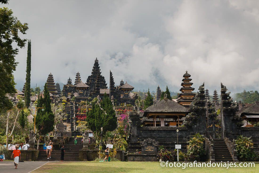 """Pura Besakih o Templo madre Bali Indonesia"