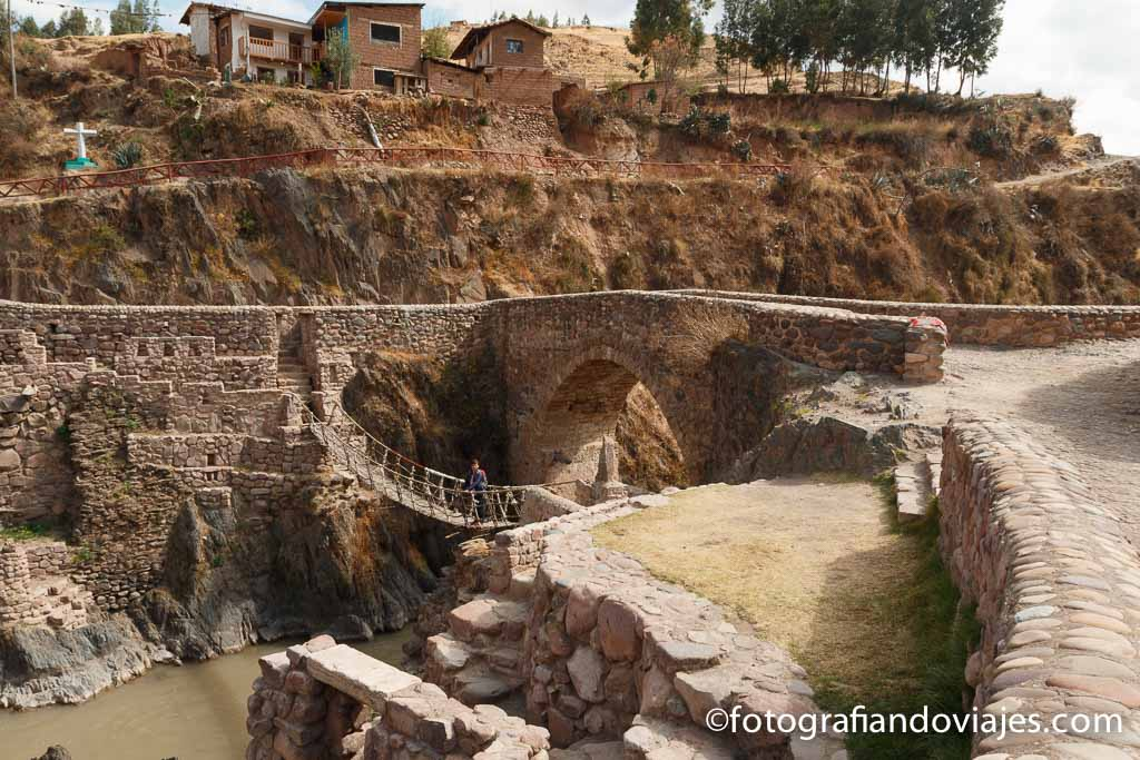 Puente Inca en Cheqacupe Peru