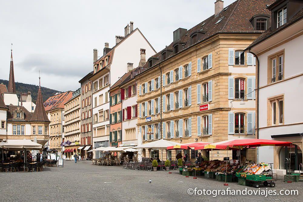 Plaza del mercado, Maison des Halls, Neuchatel, Suiza
