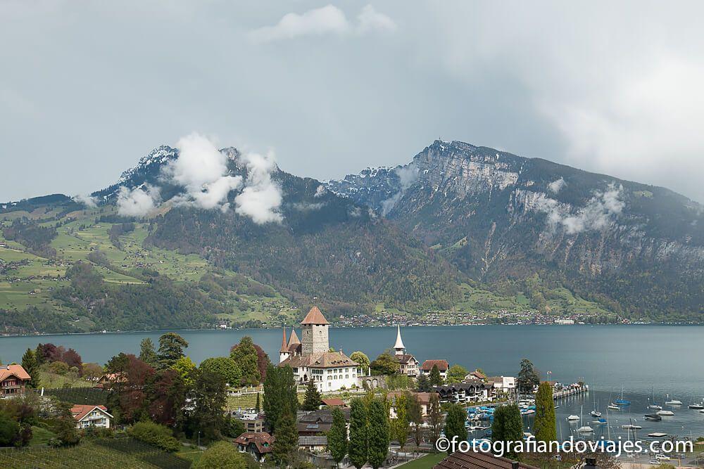 Castillo de Spiez desde el mirador Suiza