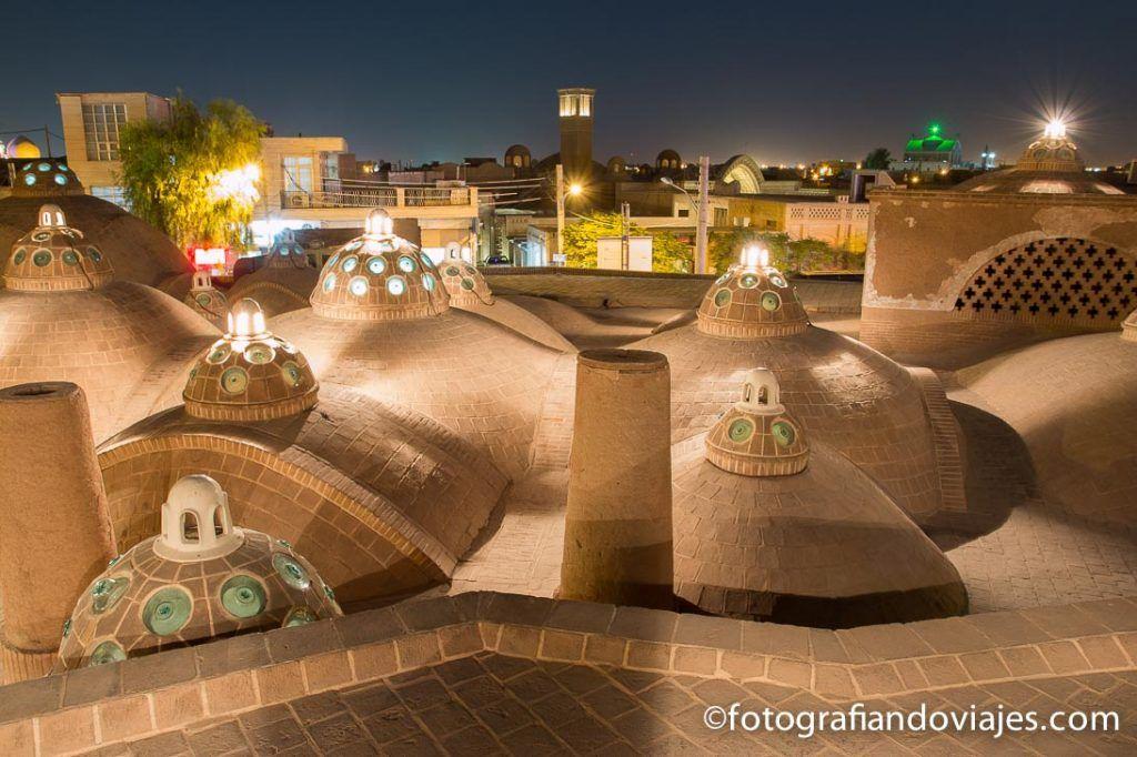 Tejado de los baños Hamman-e Sultan Amir Ahmad en Kashan, Iran