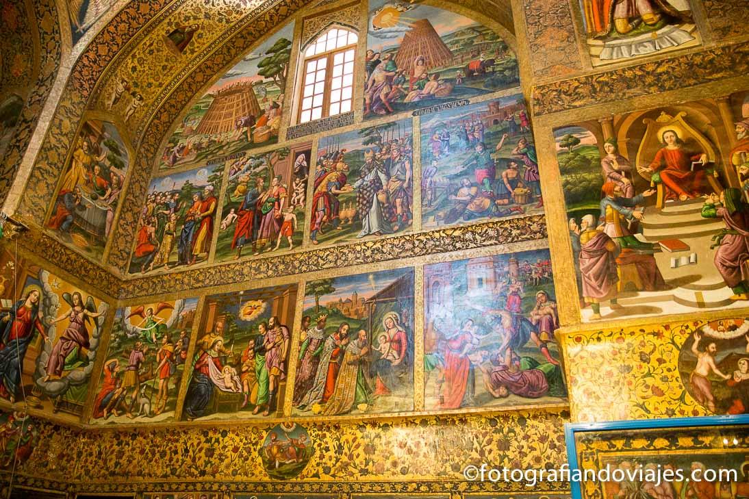 Interior de la catedral Vank