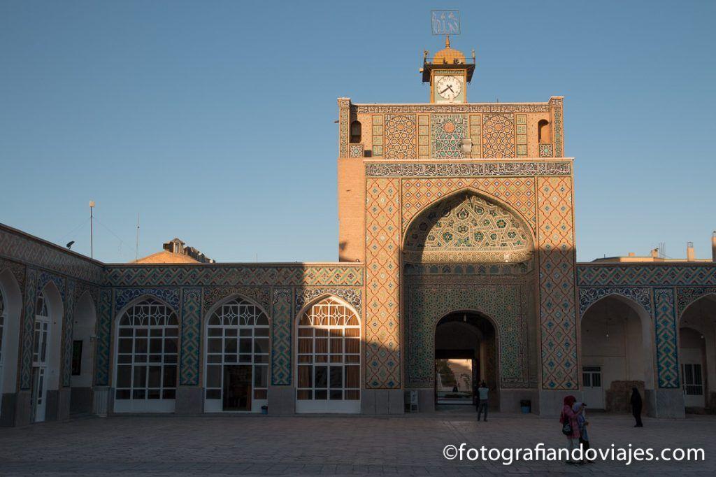 que ver en kerman mezquita del viernes