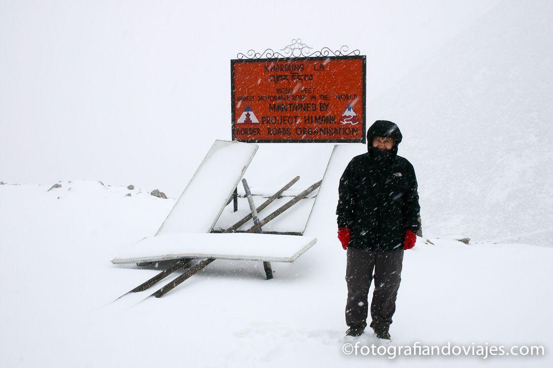 Paso Khardung-la a 5359 metros altitud