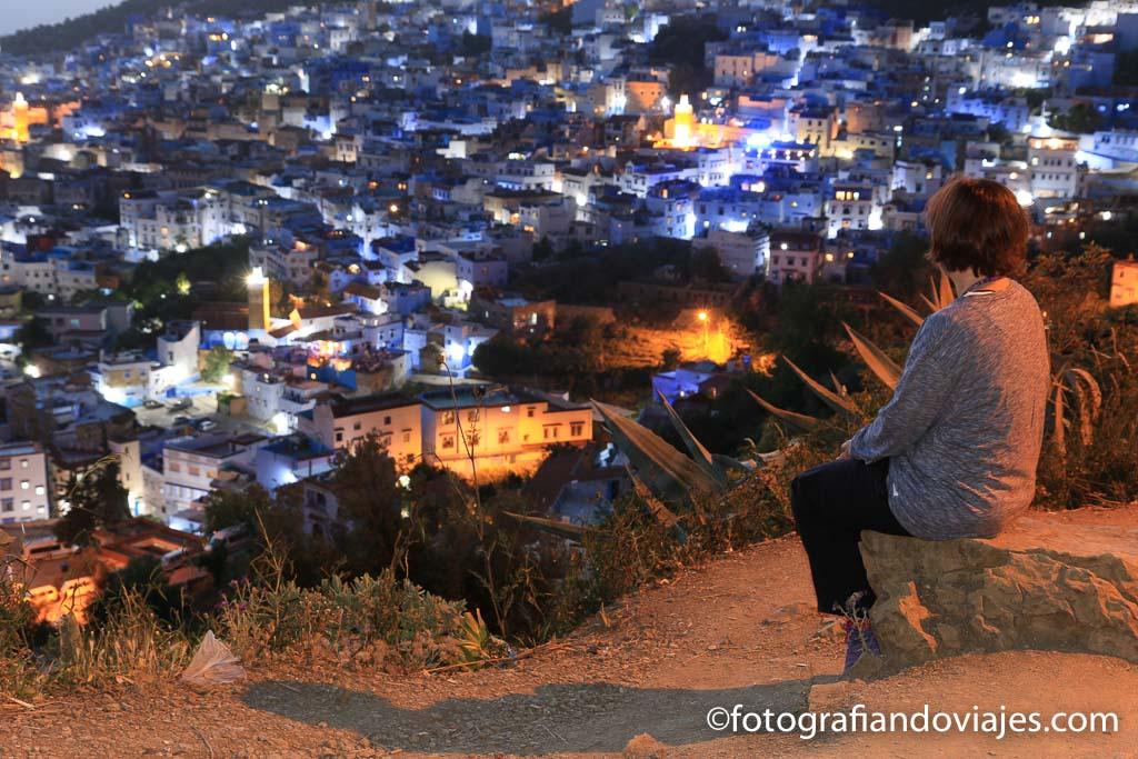 atardecer en la ciudad azul de marruecos