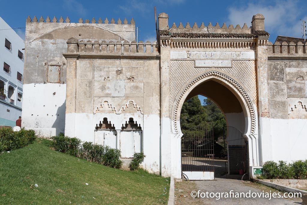 entrada a la kasbah o castillo