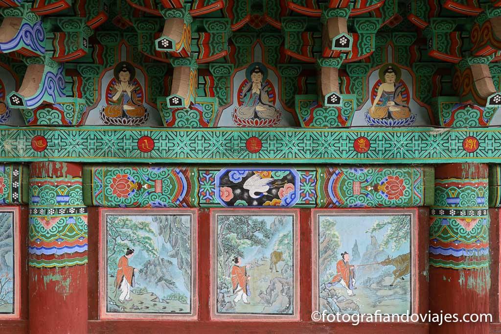 techo y pared de pabellon en el Templo Ssanggyesa