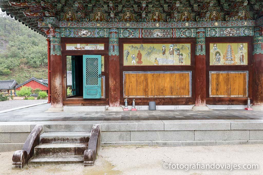 Detalle del Templo Unjusa Corea del Sur