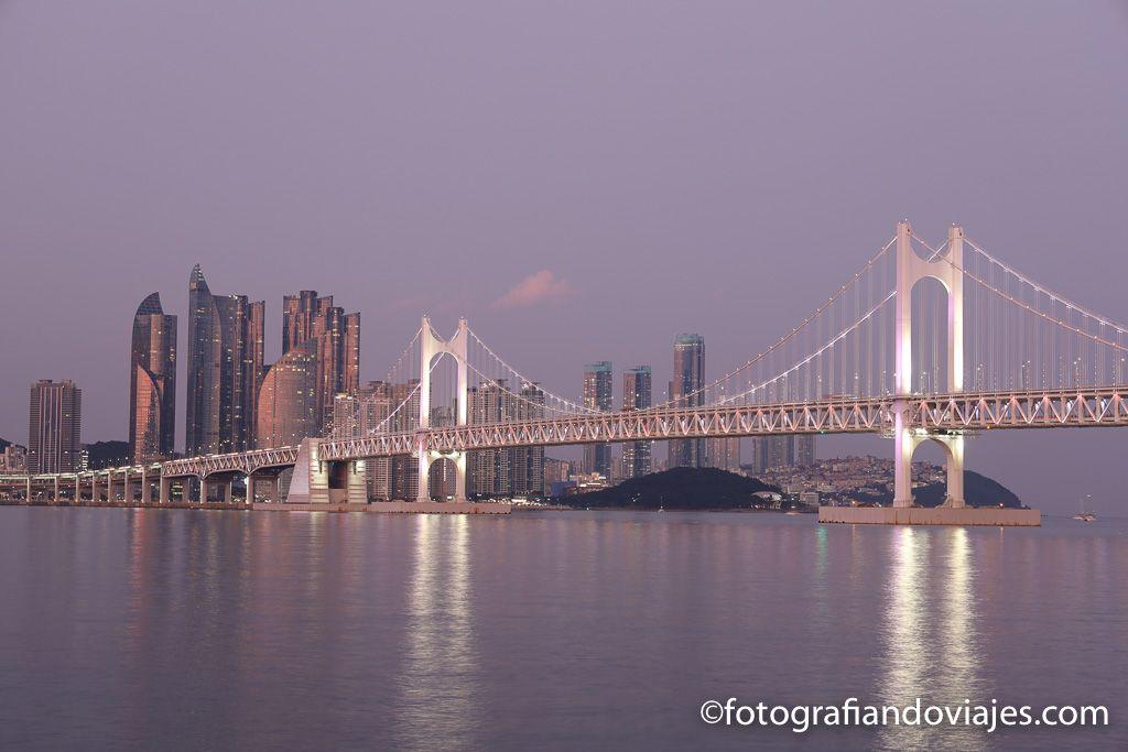 Atardecer en el puente Gwangalli de Busan