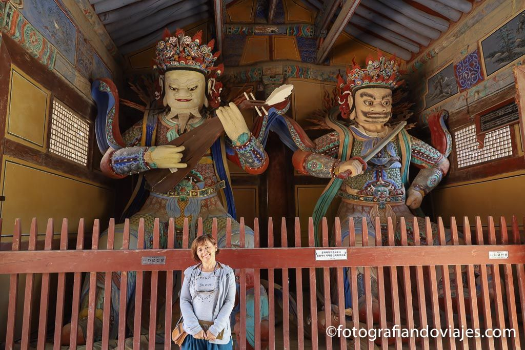 guardianes de la puerta del templo