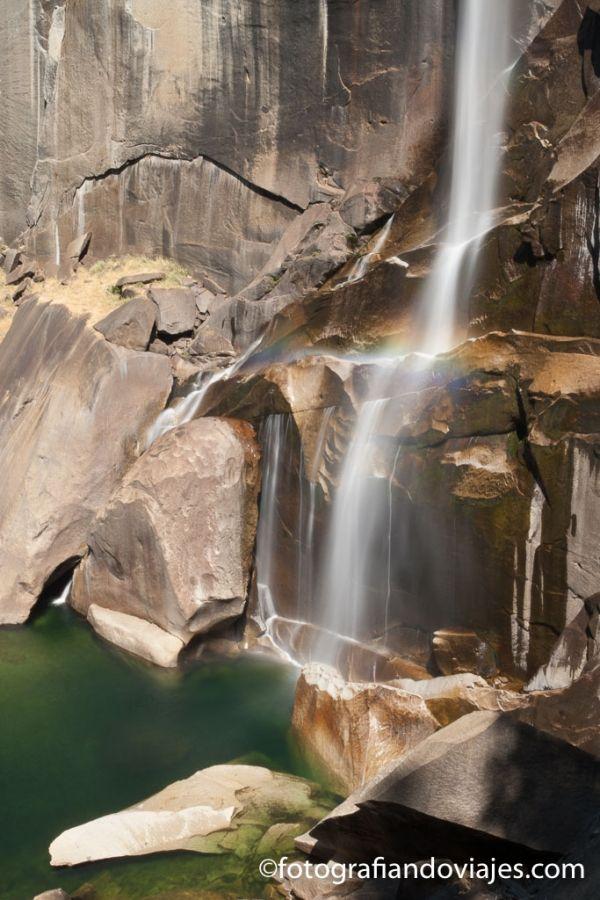 Vernal Falls cascada en Yosemite parque nacional