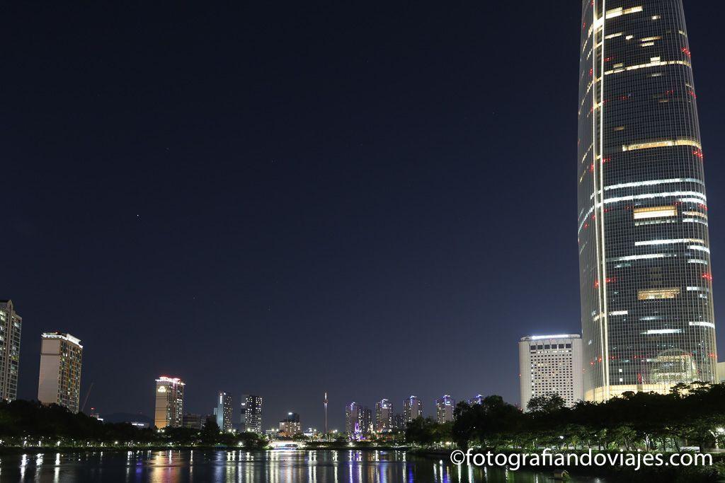 Edificio Lotte World Tower arquitectura moderna seul