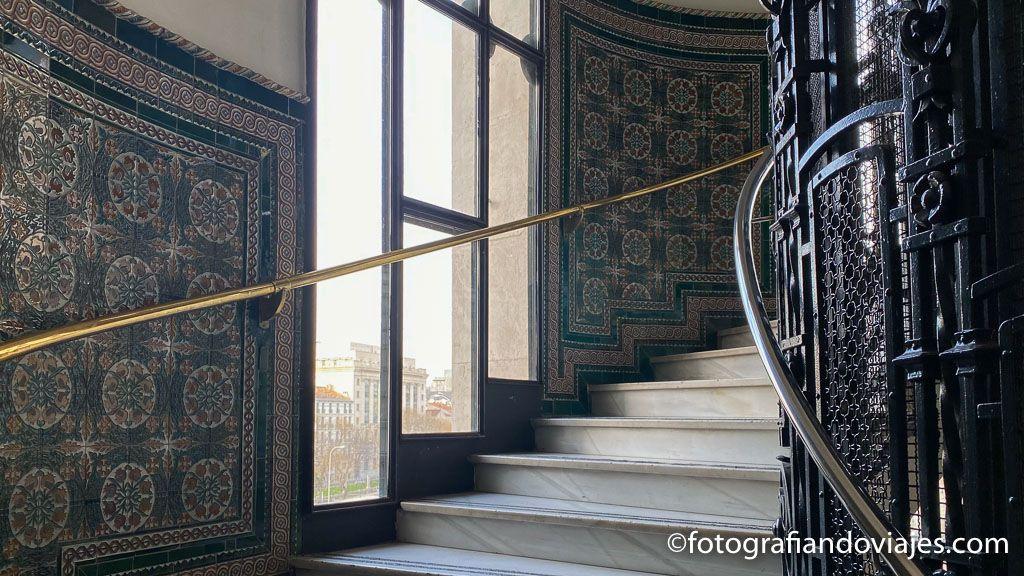 escaleras palacio
