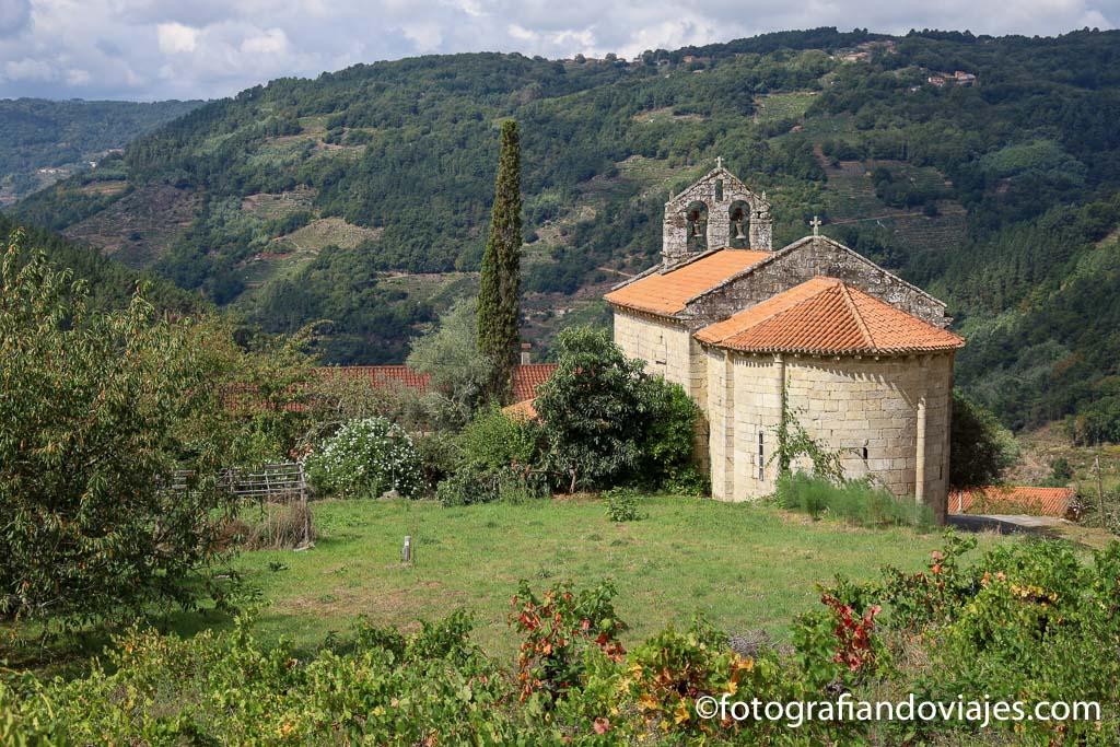 Iglesia San Martiño de Cova ribeira sacra lugo