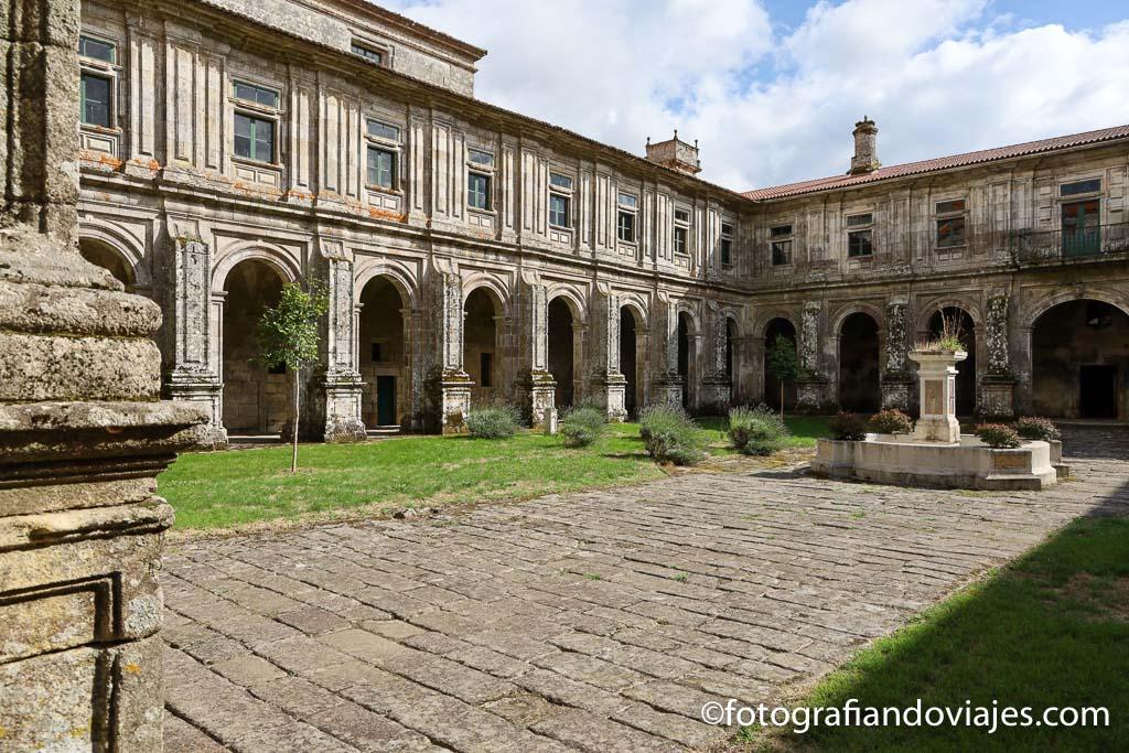 claustro Monasterio Santa Maria de Oseira