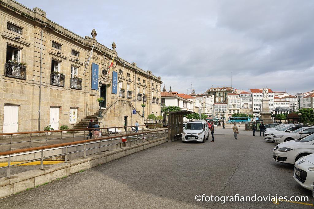 Plaza hermanos Garcia Naveira ver Betanzos liceo