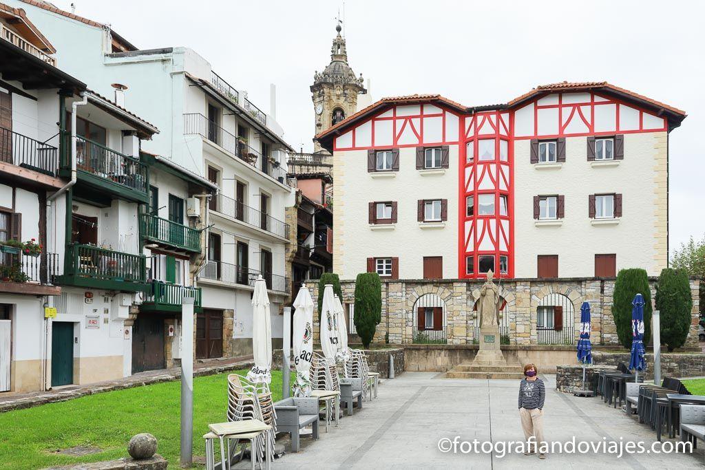 Plaza del obispo en Fuenterrabia