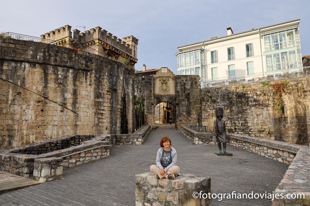 Puerta Santa Maria que ver en las murallas de Hondarribia